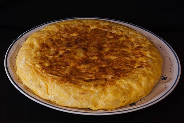 platos tipico madrid: tortilla de patatas